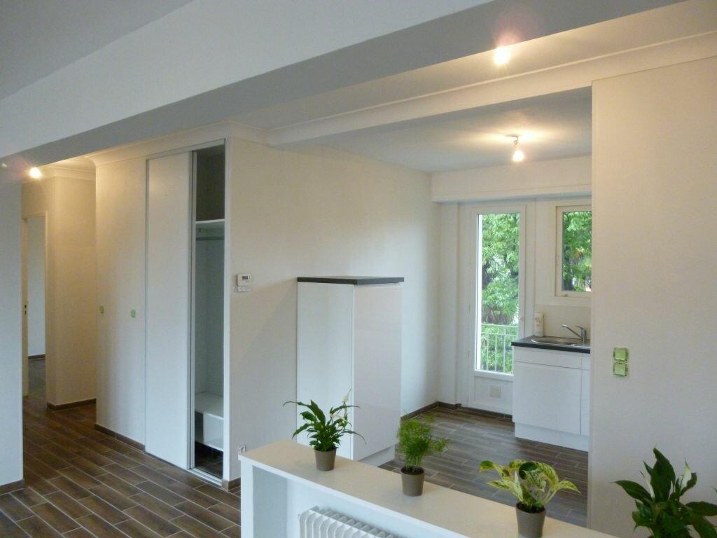 Appartement à louer 3 73m2 à Bizanos vignette-1