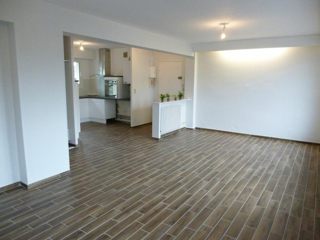 Appartement à louer 3 73m2 à Bizanos vignette-3