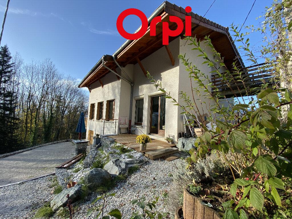 Maison à vendre 4 165m2 à Saint-Pierre-d'Allevard vignette-11