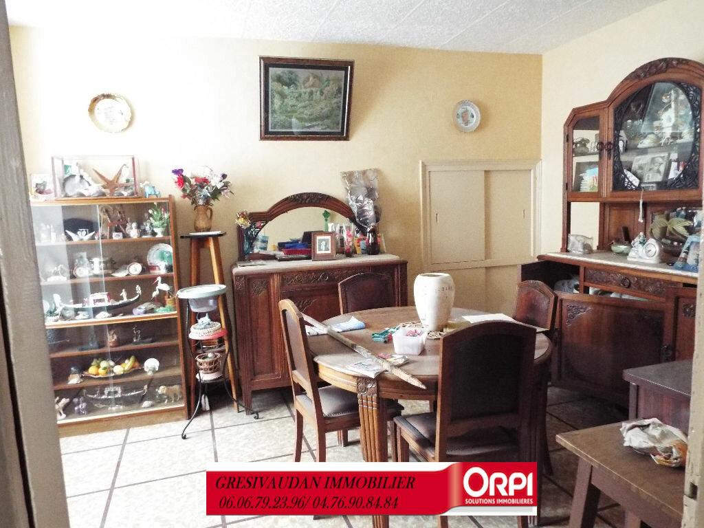 Maison à vendre 9 240m2 à Saint-Pierre-d'Allevard vignette-3