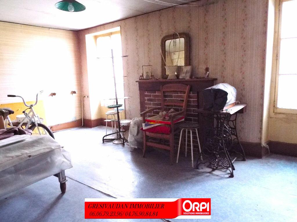 Maison à vendre 9 240m2 à Saint-Pierre-d'Allevard vignette-5
