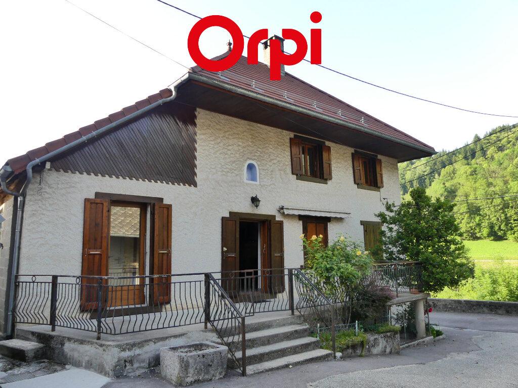 Maison à louer 6 106.91m2 à Saint-Mury-Monteymond vignette-2
