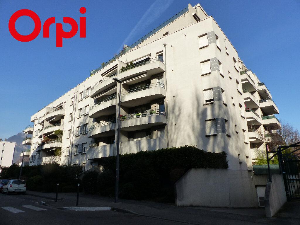 Appartement à vendre 2 46.4m2 à Grenoble vignette-11