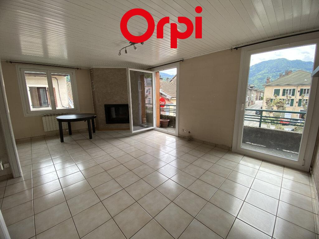 Appartement à louer 4 87.2m2 à Saint-Pierre-d'Allevard vignette-1