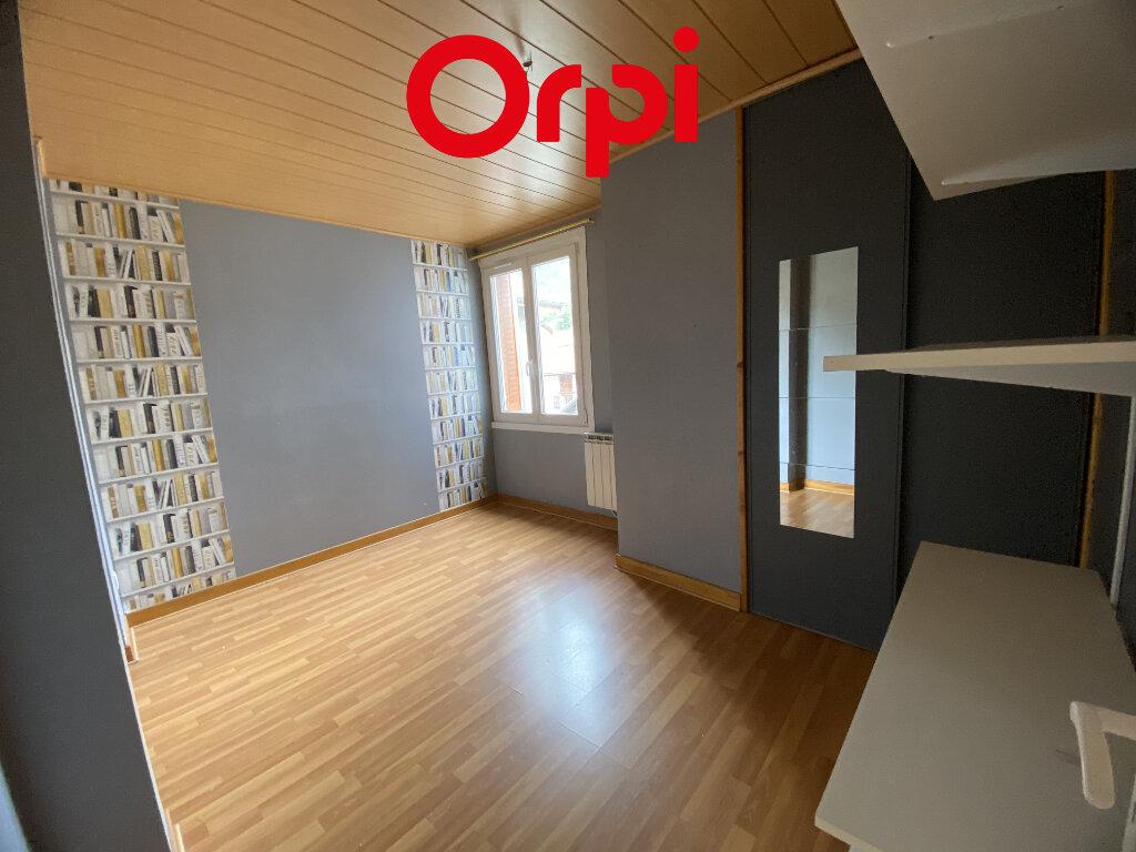 Appartement à louer 4 87.2m2 à Saint-Pierre-d'Allevard vignette-2