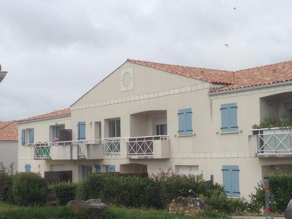 Appartement à vendre 1 32m2 à Tonnay-Charente vignette-2