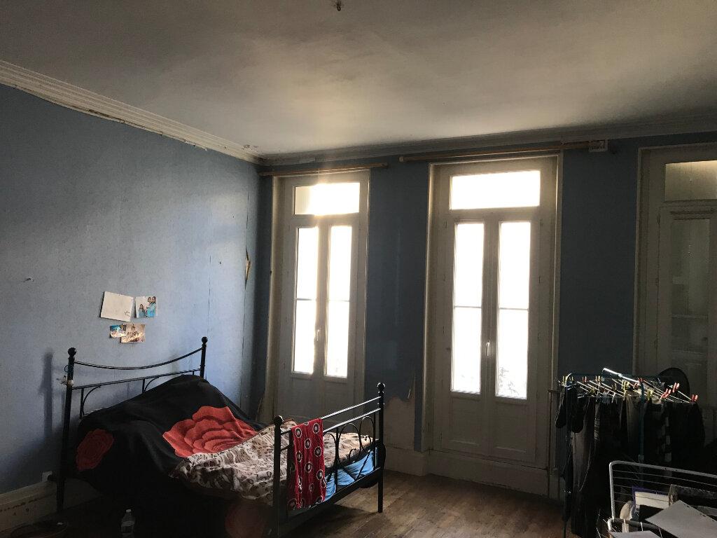 Immeuble à vendre 0 170m2 à Rochefort vignette-3