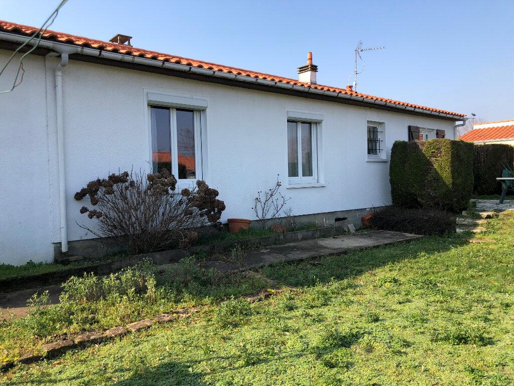 Maison à vendre 5 103.56m2 à Rochefort vignette-2