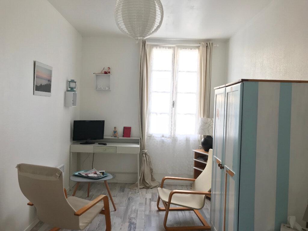 Immeuble à vendre 0 190m2 à Rochefort vignette-7