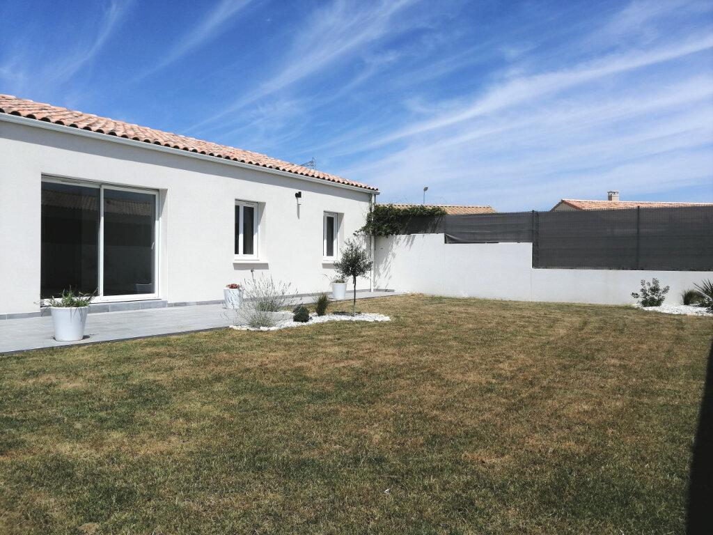 Maison à vendre 4 100m2 à Tonnay-Charente vignette-1