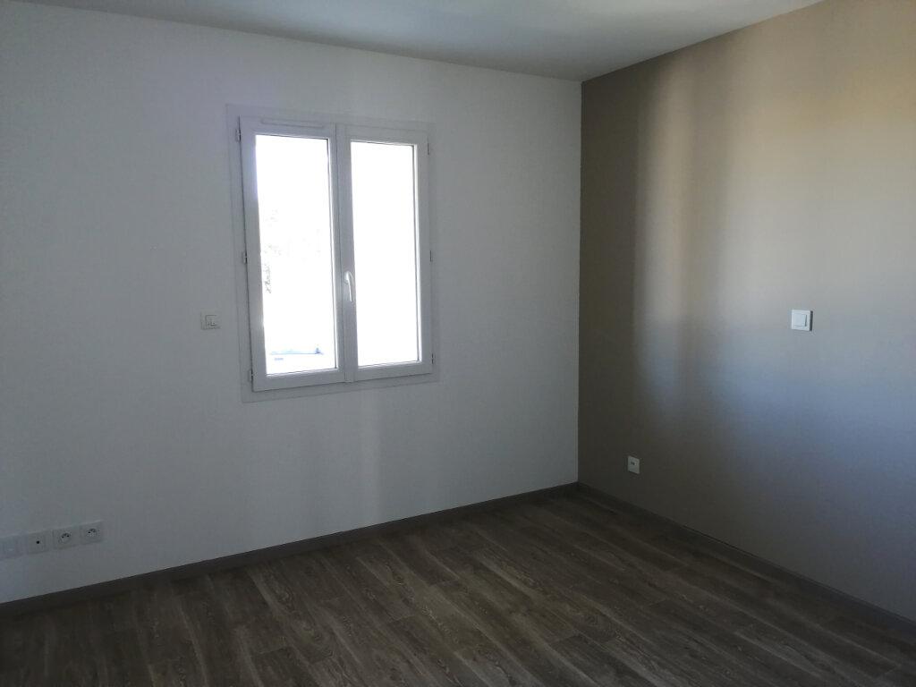 Maison à vendre 4 100m2 à Tonnay-Charente vignette-4