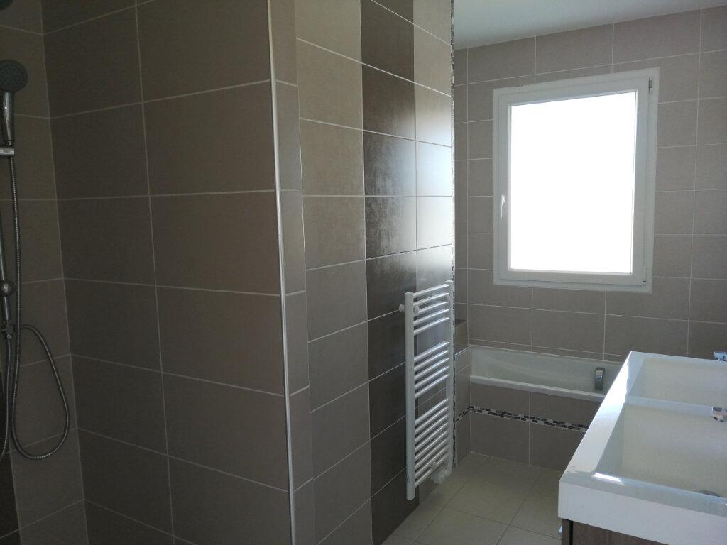 Maison à vendre 4 100m2 à Tonnay-Charente vignette-6