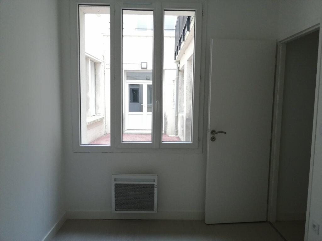 Appartement à louer 2 46m2 à Rochefort vignette-3