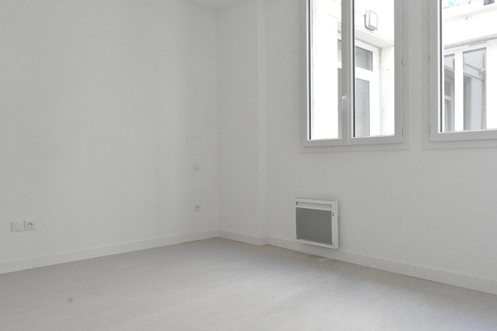 Appartement à louer 2 51m2 à Rochefort vignette-1