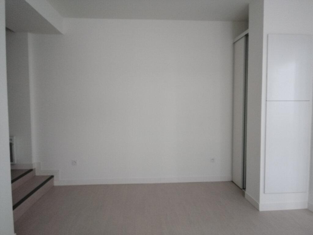 Appartement à louer 2 51m2 à Rochefort vignette-2