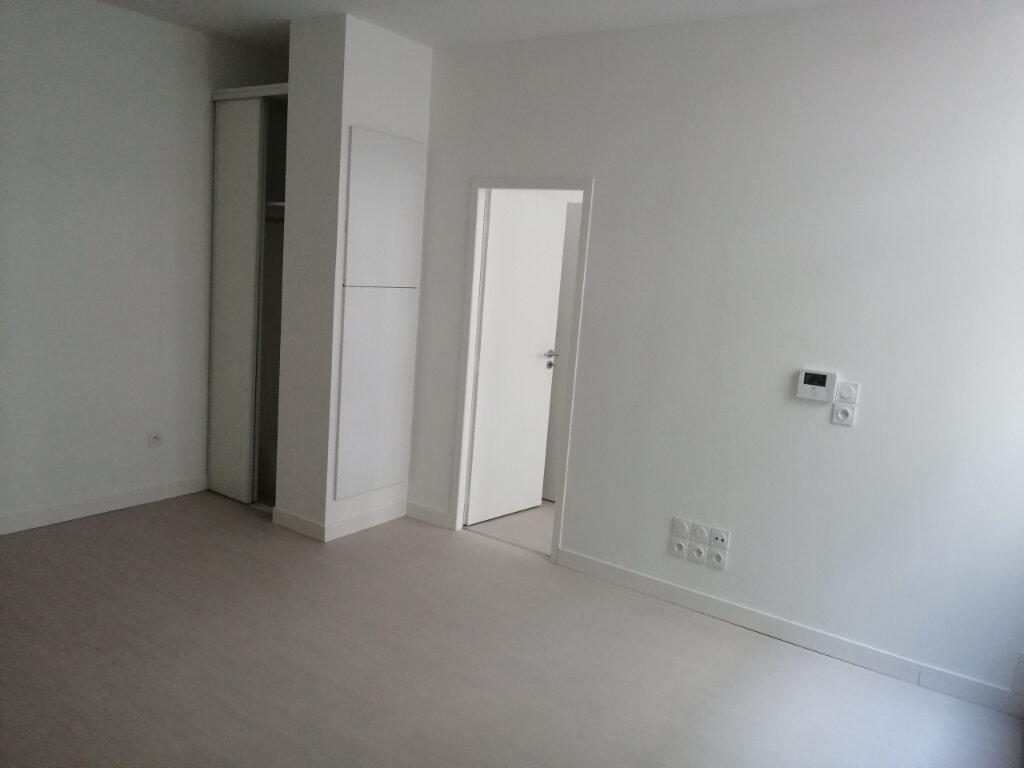 Appartement à louer 2 51m2 à Rochefort vignette-3
