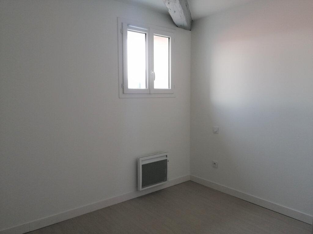 Appartement à louer 3 70m2 à Rochefort vignette-4