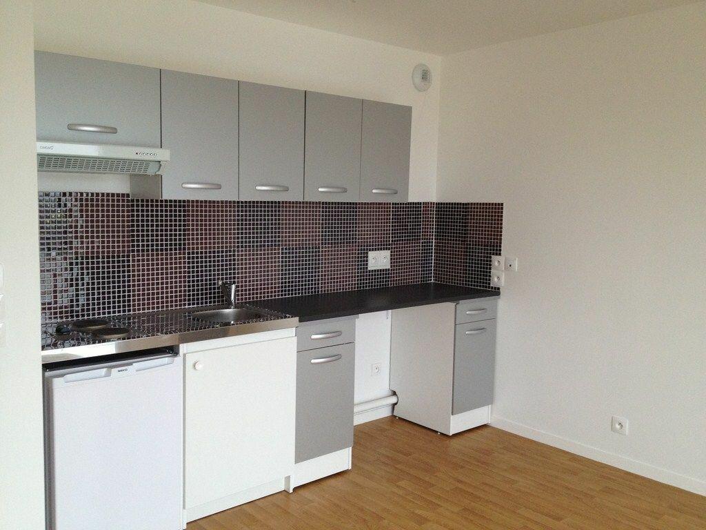 Appartement à louer 1 25.93m2 à Villepinte vignette-1