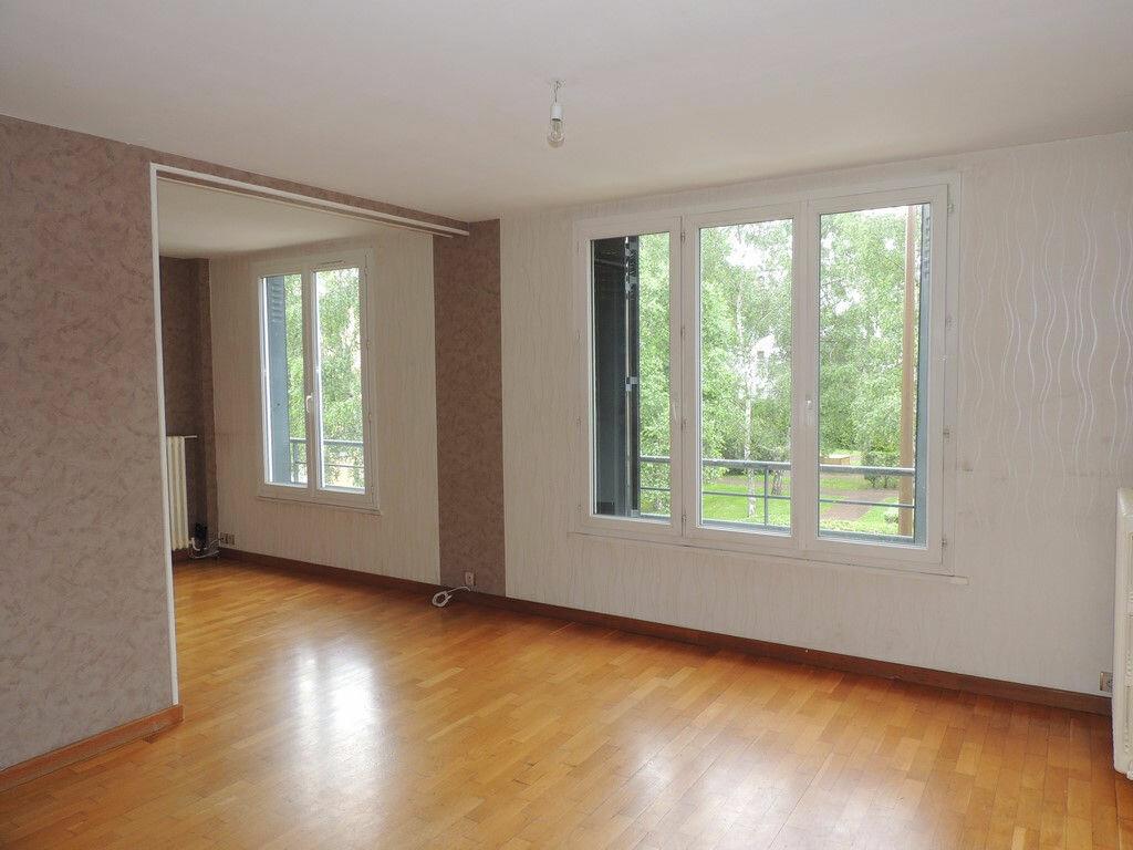 Appartement à louer 3 65m2 à Livry-Gargan vignette-1