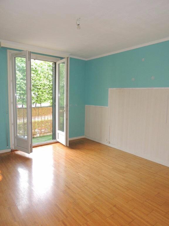 Appartement à louer 3 65m2 à Livry-Gargan vignette-5