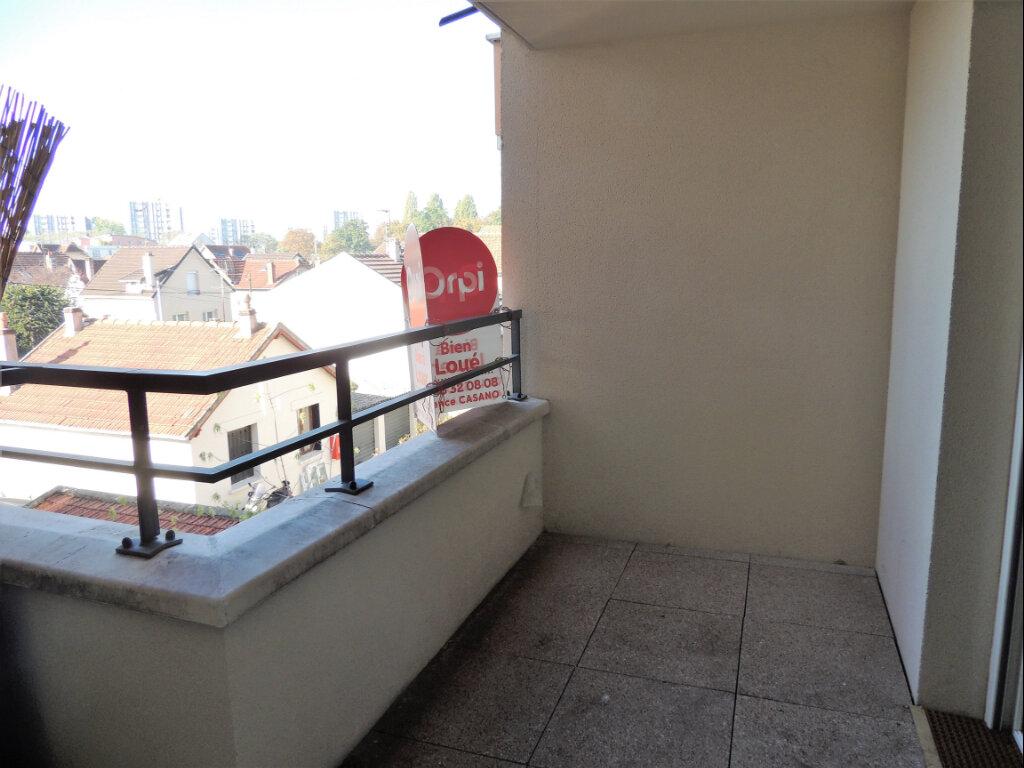 Appartement à louer 2 45.4m2 à Sevran vignette-2