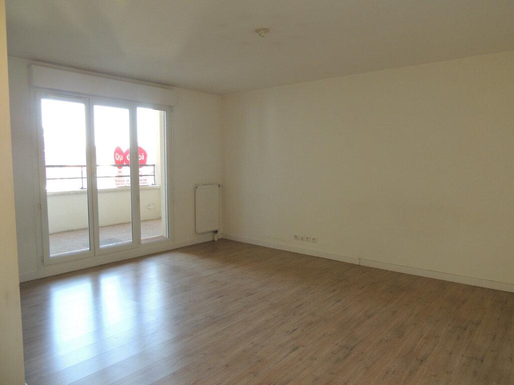 Appartement à louer 2 45.4m2 à Sevran vignette-6