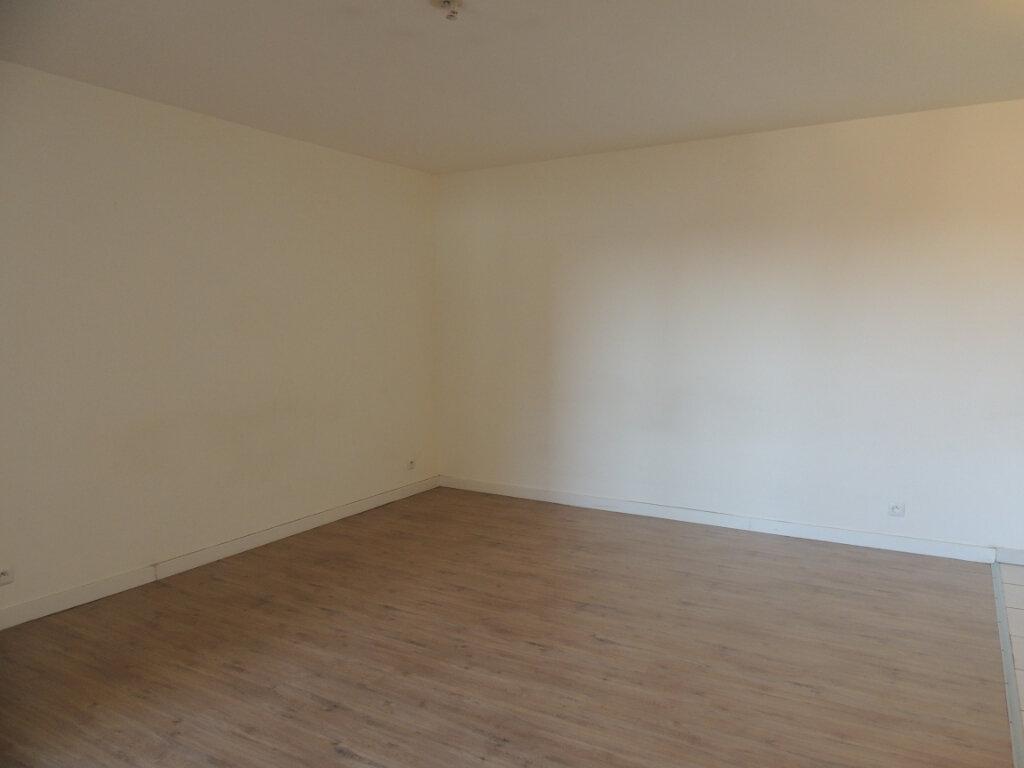 Appartement à louer 2 45.4m2 à Sevran vignette-9