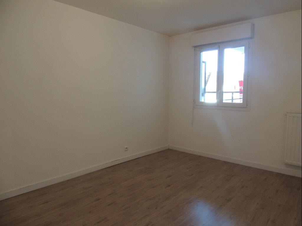 Appartement à louer 2 45.4m2 à Sevran vignette-11