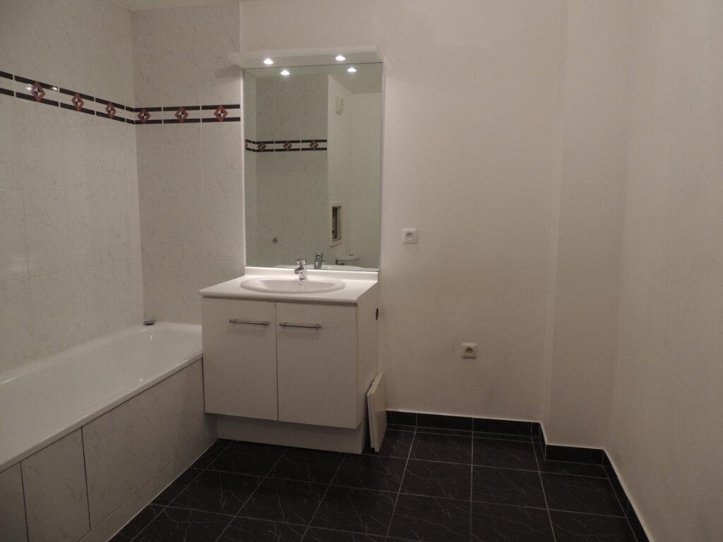 Appartement à louer 2 45.4m2 à Sevran vignette-12