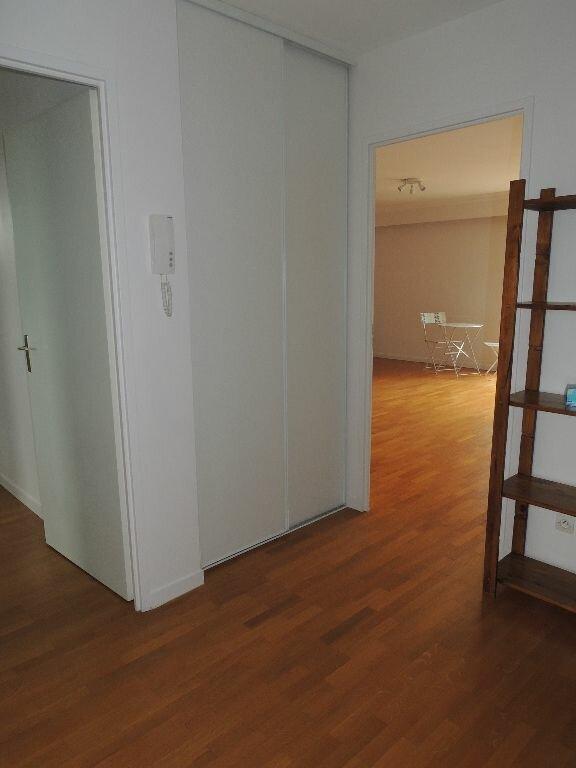 Appartement à louer 3 79.38m2 à Livry-Gargan vignette-8
