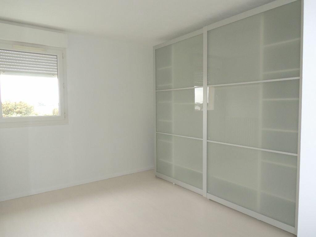 Appartement à louer 3 79.38m2 à Livry-Gargan vignette-9