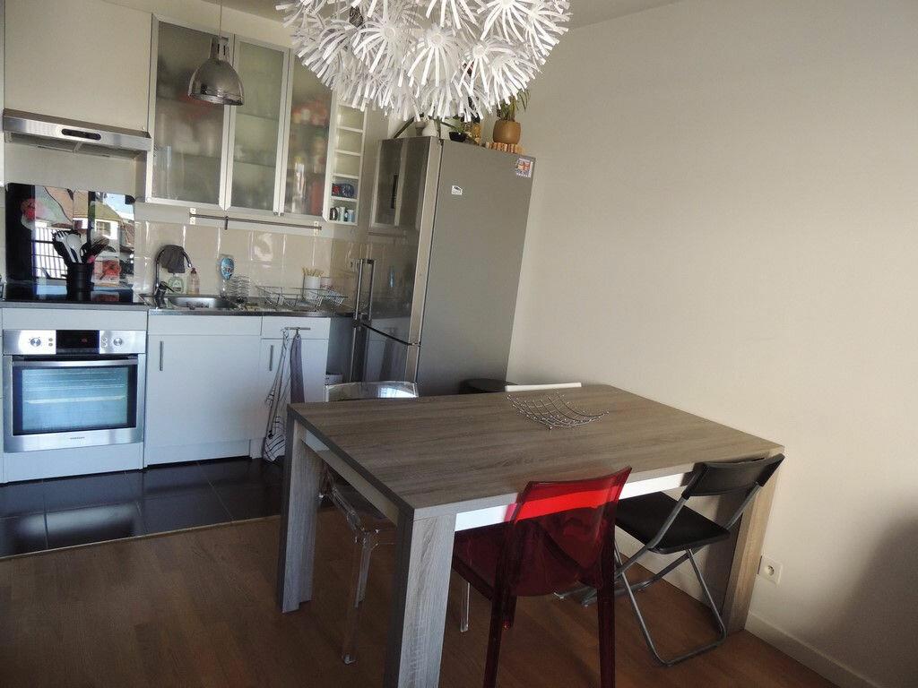 Appartement à louer 2 48.85m2 à Drancy vignette-4