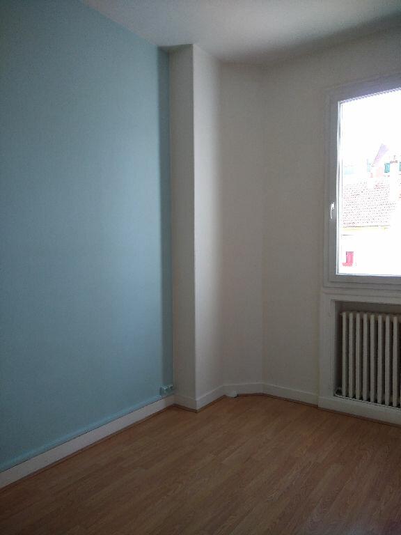 Appartement à louer 3 65m2 à Livry-Gargan vignette-8
