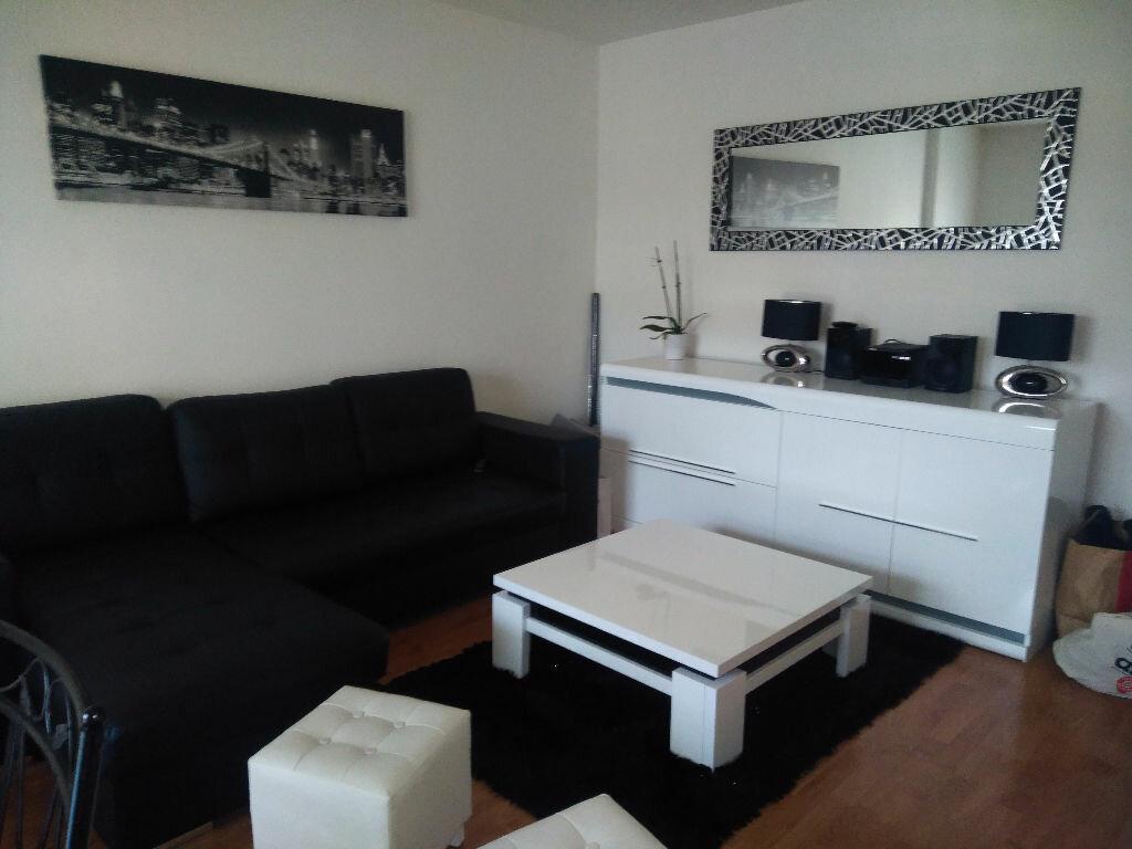 Appartement à louer 2 40.18m2 à Livry-Gargan vignette-3
