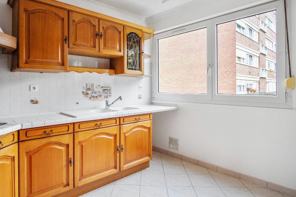 Appartement à vendre 4 76m2 à Livry-Gargan vignette-7