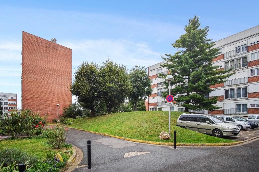 Appartement à vendre 4 76m2 à Livry-Gargan vignette-11