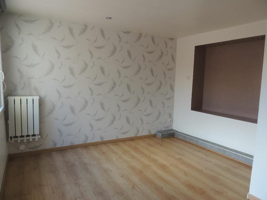 Maison à louer 3 75.32m2 à Livry-Gargan vignette-5