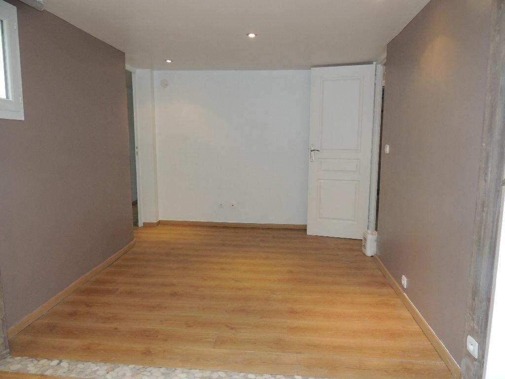 Maison à louer 3 75.32m2 à Livry-Gargan vignette-6