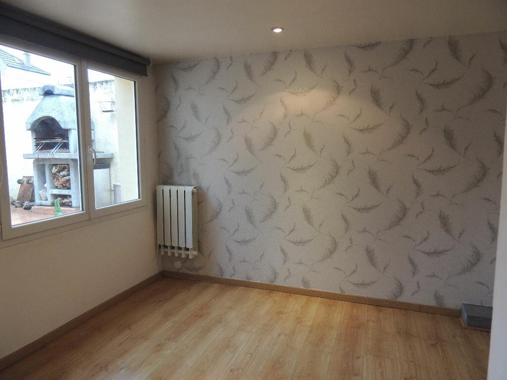 Maison à louer 3 75.32m2 à Livry-Gargan vignette-10