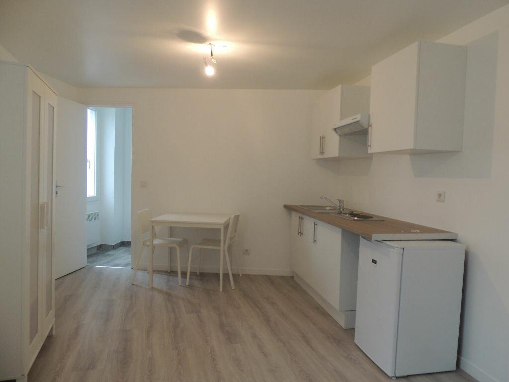 Appartement à louer 1 21.41m2 à Livry-Gargan vignette-1