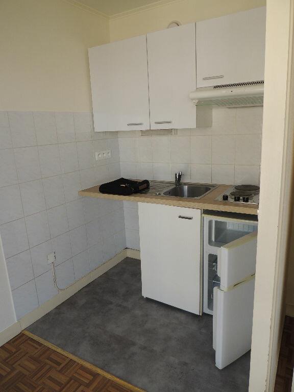 Appartement à louer 1 24.057m2 à Livry-Gargan vignette-3