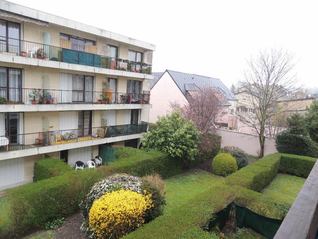 Appartement à louer 1 24.057m2 à Livry-Gargan vignette-8