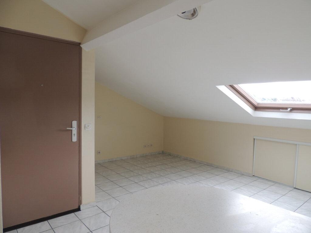 Appartement à louer 3 21.4m2 à Livry-Gargan vignette-3
