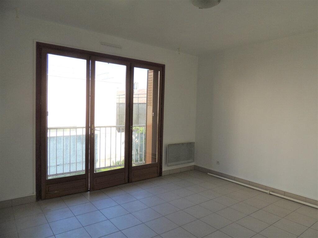 Appartement à louer 1 26.27m2 à Livry-Gargan vignette-2