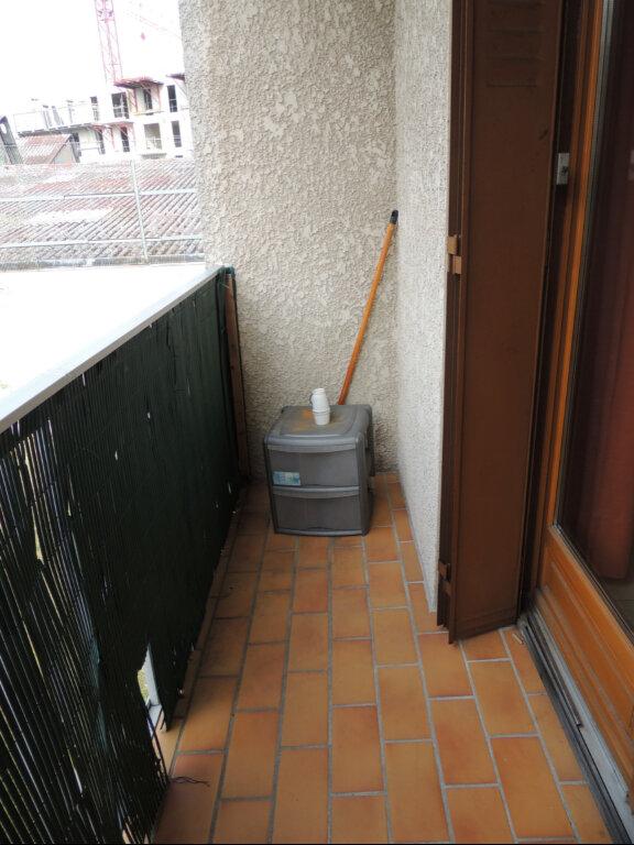 Appartement à louer 1 26.27m2 à Livry-Gargan vignette-3