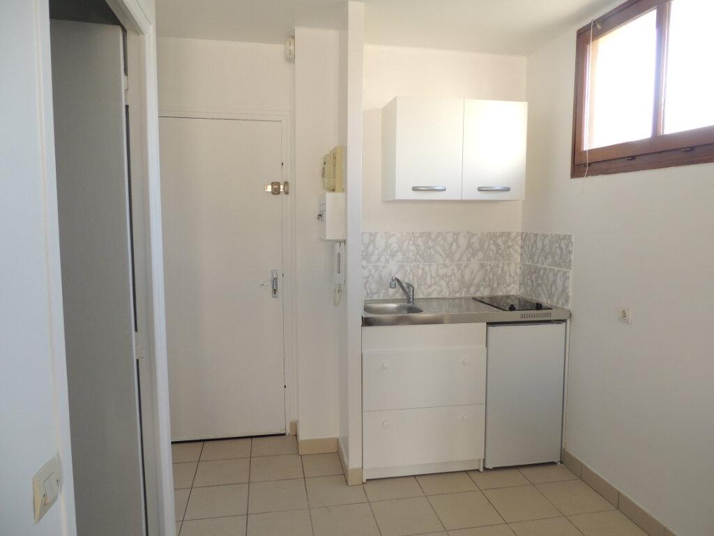 Appartement à louer 1 26.27m2 à Livry-Gargan vignette-4