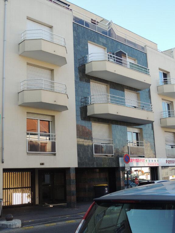 Appartement à louer 1 32m2 à Livry-Gargan vignette-1