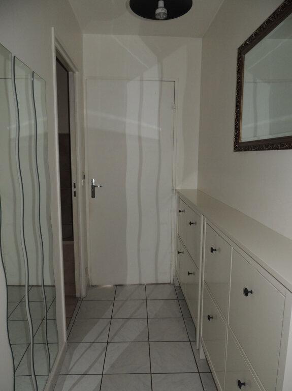 Appartement à louer 1 32m2 à Livry-Gargan vignette-4