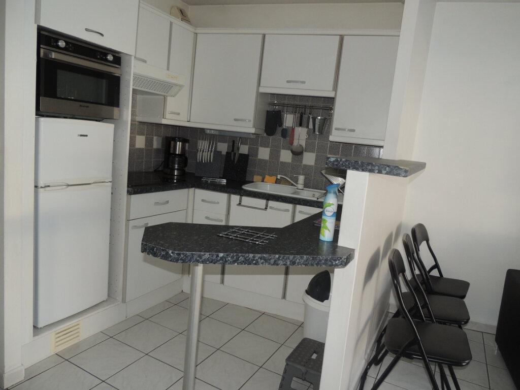 Appartement à louer 1 32m2 à Livry-Gargan vignette-5