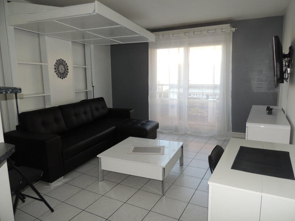 Appartement à louer 1 32m2 à Livry-Gargan vignette-6